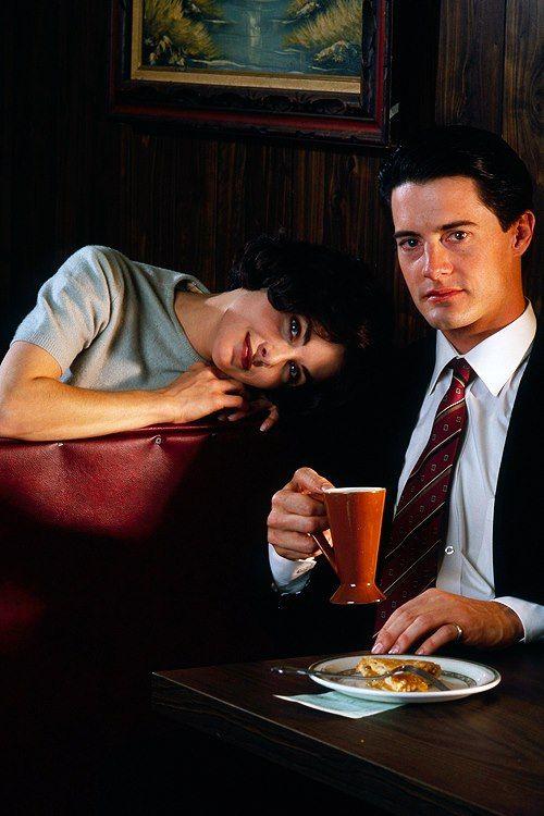 Sherilyn Fenn & Kyle MacLachlan - Twin Peaks